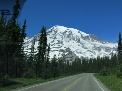 Mount Rainier dead ahead...