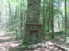 Suglarlands Nature Trail - fireplace/chimney from one of the 100 families who once settled this area