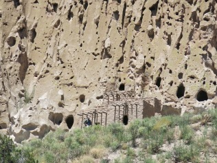 Bandelier National Monument cliff dwellings, Main Loop trail