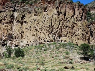 Looking up the trail to the cliff dwellings