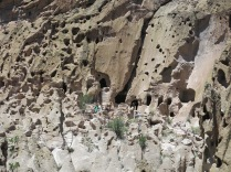 trail to the cliff dwellings - Bandelier NM