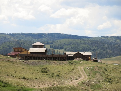 Osier was once a small community with a store, rooming house for travelers, section house for railroad employee's families, depot, coal loading dock, covered turntable, and cattle pens.
