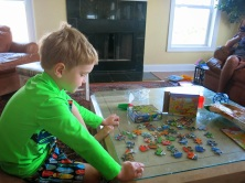 Hank worked a puzzle... he is up to 50 and 100 piece puzzles