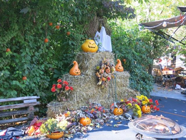 Halloween decor at campsite # 1