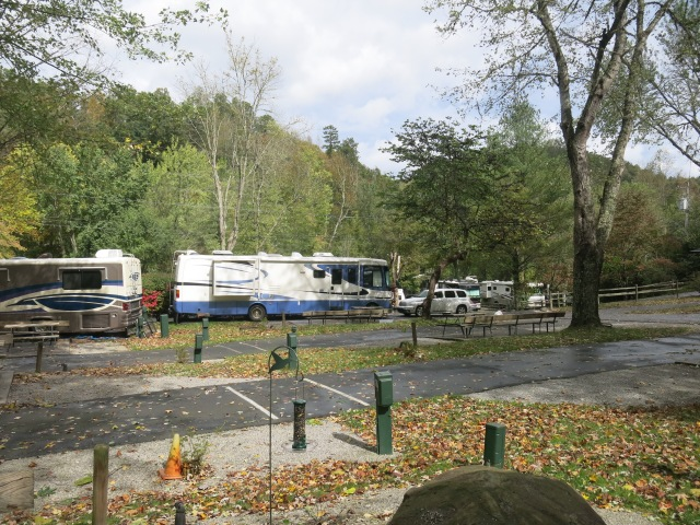 the four motorhomes next to us pulled out this morning...